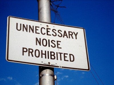 Road sign: Unnecessary noise prohibited